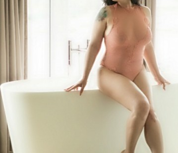 Virginia Beach Escort Kynsley Morgan Adult Entertainer in United States, Adult Service Provider, Escort and Companion.