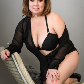 Denver Escort Angel_DL Adult Entertainer, Adult Service Provider, Escort and Companion.