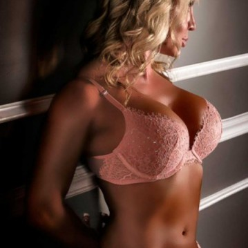 Myrtle Beach, South Carolina Escort Brittany Dancer Adult Entertainer, Adult Service Provider, Escort and Companion.