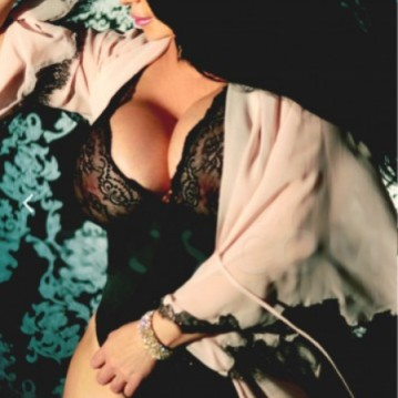 Portland Escort Kimilla Cole Adult Entertainer, Adult Service Provider, Escort and Companion.