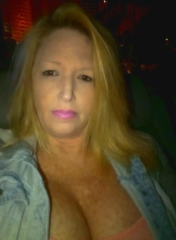 Las Vegas Escort Savanaah  Cyn Adult Entertainer in United States, Female Adult Service Provider, Escort and Companion.