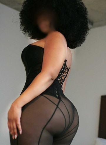 Seattle Escort Aubrey  Monet Adult Entertainer in United States, Female Adult Service Provider, American Escort and Companion.