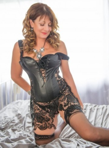 West Palm Beach Escort Mallory Adult Entertainer in United States, Female Adult Service Provider, American Escort and Companion.