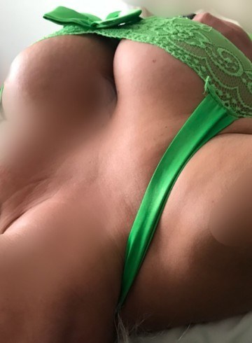 Chicago Escort HALEYJADE Adult Entertainer in United States, Female Adult Service Provider, Escort and Companion.