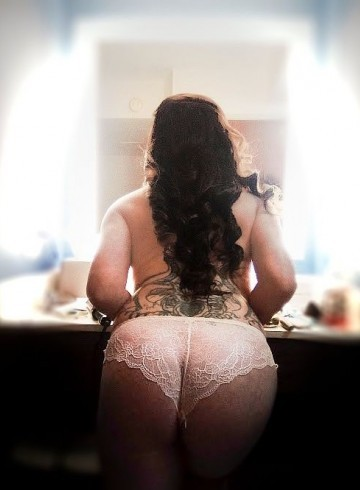 Pittsburgh Escort Evie  Lovergirl Adult Entertainer in United States, Female Adult Service Provider, Escort and Companion.