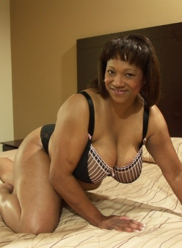 Houston Escort Alli Adult Entertainer in United States, Female Adult Service Provider, Escort and Companion.