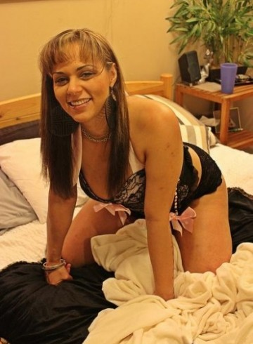 Seattle Escort CarmellaExotic Adult Entertainer in United States, Female Adult Service Provider, Escort and Companion.