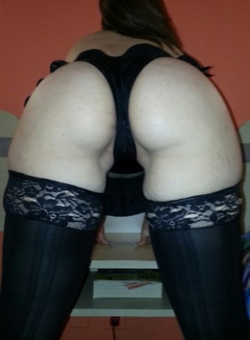 San Antonio Escort Ezelle Adult Entertainer in United States, Female Adult Service Provider, Escort and Companion.