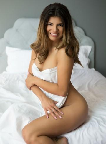 Cincinnati Escort Livia  Binova Adult Entertainer in United States, Female Adult Service Provider, Spanish Escort and Companion.