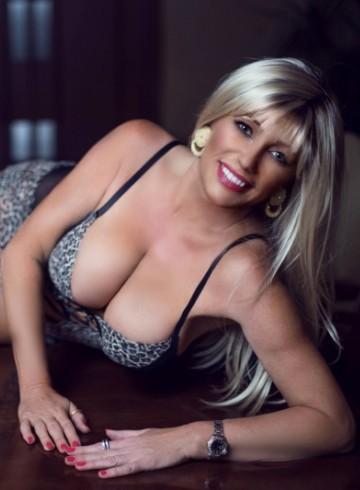 Denver Escort MadisonStar Adult Entertainer in United States, Female Adult Service Provider, American Escort and Companion.