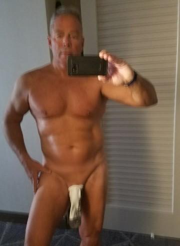 Orlando Escort rednowlin Adult Entertainer in United States, Male Adult Service Provider, American Escort and Companion.