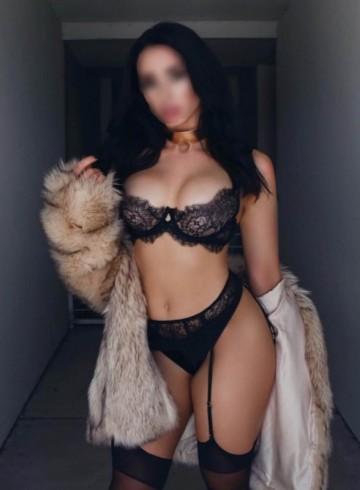 Las Vegas Escort StephanieHolsen Adult Entertainer in United States, Female Adult Service Provider, American Escort and Companion.